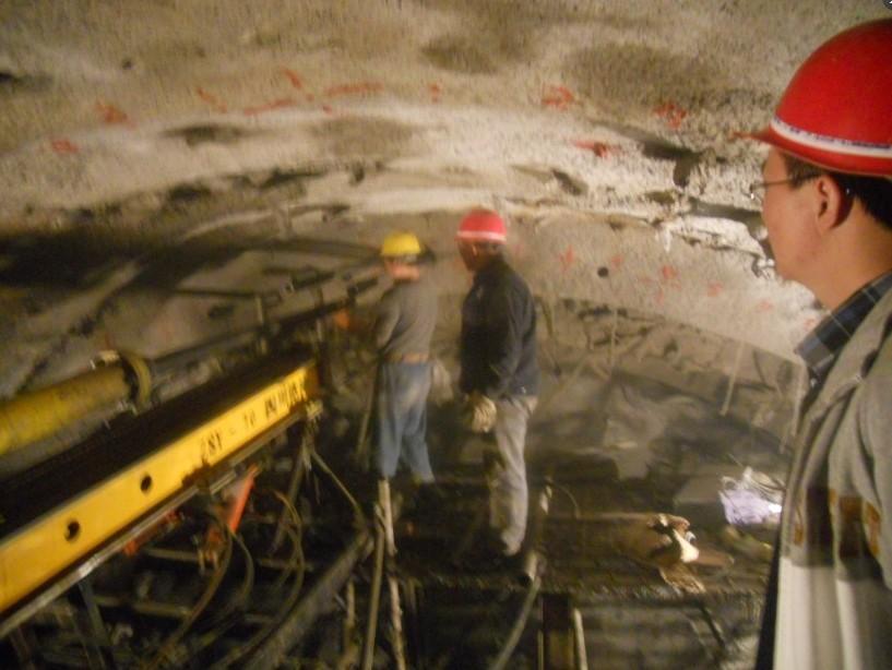 四川矿山爆破施工钻机厂家重庆隧道管棚液压钻