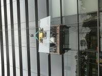 高空吊装幕墙玻璃/高层安装建筑玻璃/***吊篮出租服务公司