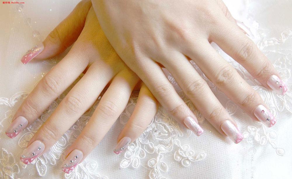 【新娘拍婚纱照的美甲知识】图片 高清图