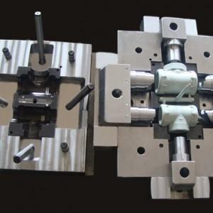 供���U口管件注塑模具 直接管件模具