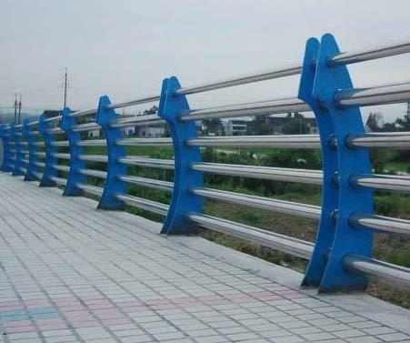 在铜川定做桥梁护栏市政护栏找哪家价格低信誉