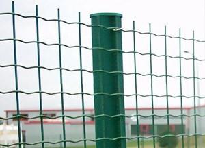 荷兰网卷状护栏,波浪形护栏网,养殖围网护栏报价