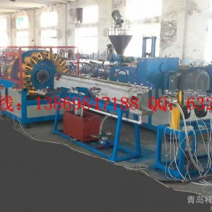 青岛祥坤专业生产PVC石油化工耐腐蚀软管设备
