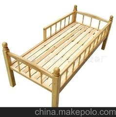 泸州实木幼儿园床、幼儿园桌椅、幼儿园玩具柜定做