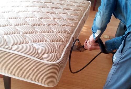如何快速简单的清理床垫清沙发清洁剂真皮洁床垫