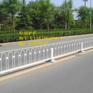 瑞金市U型折弯护栏  机动车护栏 京式交通护栏 厂家批发