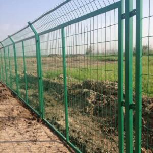 养殖铁丝网多少钱一米哪里有卖铁丝网的厂家公路护栏网规格报价