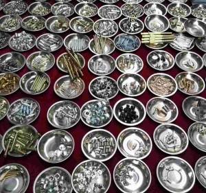 厂家直销定做非标螺母,铆钉,仪表件,汽车配件,套同,锁具配件