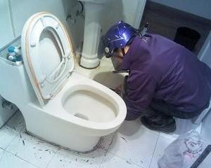 太原坞城中街维修马桶漏水安装上下水管更换水表水龙头洁具阀门