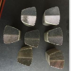 仂鑫模具可订做回复反射器及电铸铜波导管镍片等