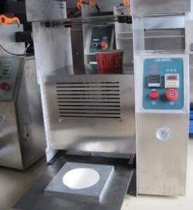 广铭纳机械厂家直销 定制 涂料桶封口机半自动塑杯方便面封桶机