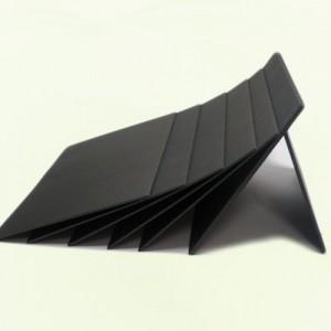 黑卡纸供应商直销礼盒贴面服装吊牌双面透心黑卡纸