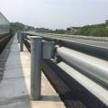 全國波形防護欄板安裝  君安道路護欄板廠家