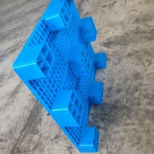 临沂质量让人放心塑料托盘专业的塑料制品厂家厂家直销