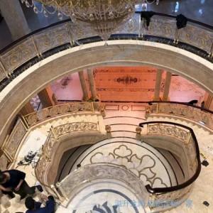 K金铜艺楼梯护栏体现现代中式之美