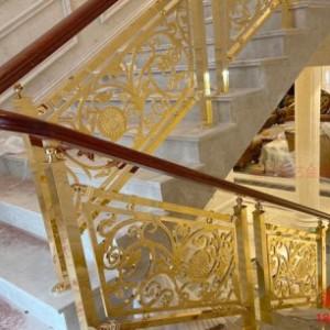 欧式铜雕花护栏是一种美的艺术装饰品