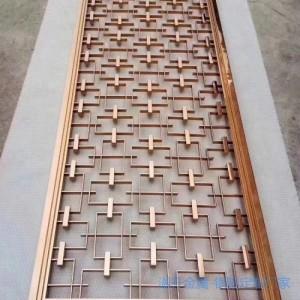 小阁楼也可以安装上k金铜艺屏风作为装饰品