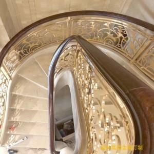 云南家居铜楼梯护栏  沙金铜楼梯扶手 铜楼梯栏杆图片