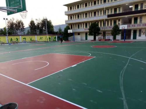 《【二号站平台app登录】靖西篮球场悬浮拼装地板铺设》