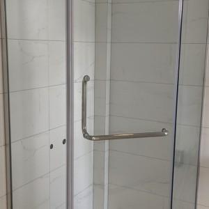 龙岗区一字型浴屏淋浴房开启多彩生活 平开门简易淋浴房卫浴设施
