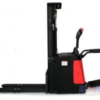 踏板式电动堆高车1.4-1.6吨