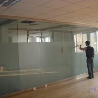 丰台区专业安装玻璃门 玻璃隔断维修安装地弹簧