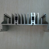 平板(梳子型)铝散热器型材