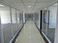 太原写字楼会议室安装玻璃门隔断