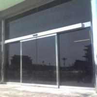 朝阳区维修玻璃门 安装玻璃门配件