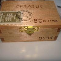 供应宏富HK各种盒子转印膜烫金纸定做大样生产