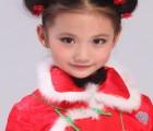 品牌童装店汪小荷独创极具风格化的童装风格,让每一个女孩儿成为