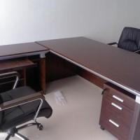 上海安装家具 专业木匠安装家具 安装办公桌屏风