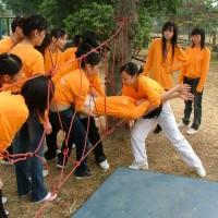 广州团体拓展团队培训去笑翻天乐园