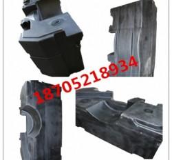 中联YZC13E压路机洒水箱低价供货