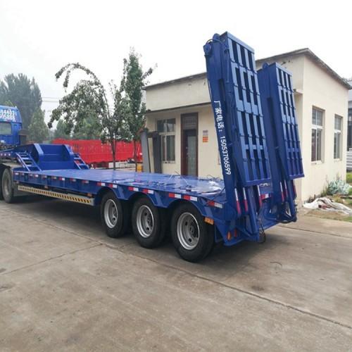 挖掘机拖板车挖掘机拖板车出口价格怎么样