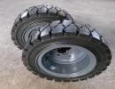 实心轮胎生产厂家 叉车实心轮胎价格 实心轮胎250-4